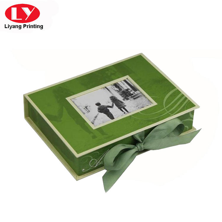 Green Cardboard Magnetic Photo Frame Gift Box