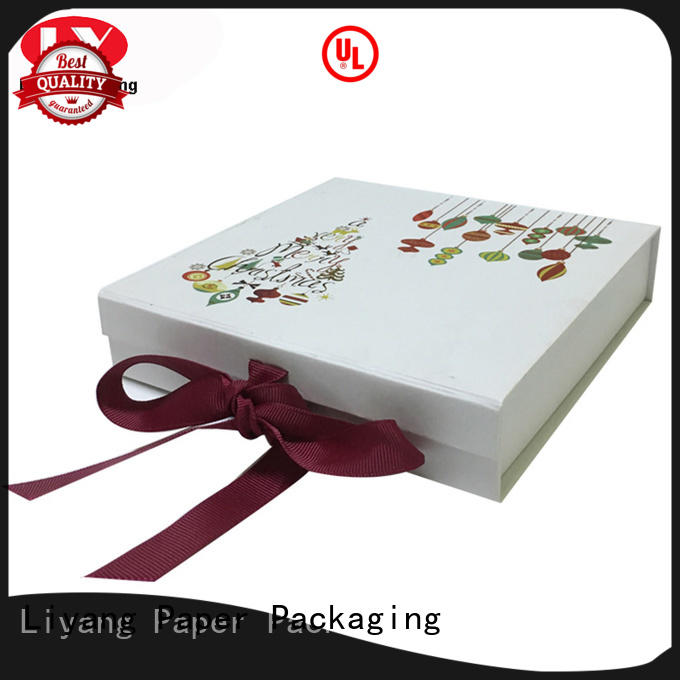 Hot paper clothing paper box handle Liyang Paper Packaging Brand