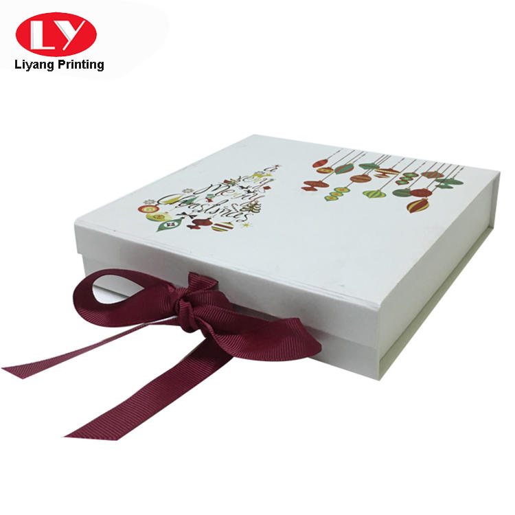 Custom printed magnetic folding box