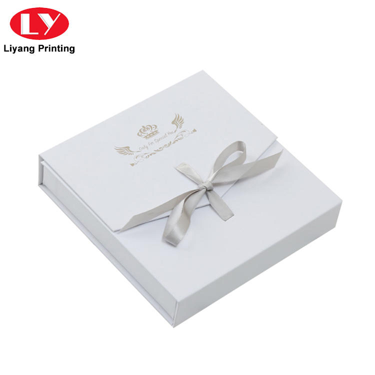 Custom White Cardboard Jewelry Ring Packaging Box with Velvet Foam Insert