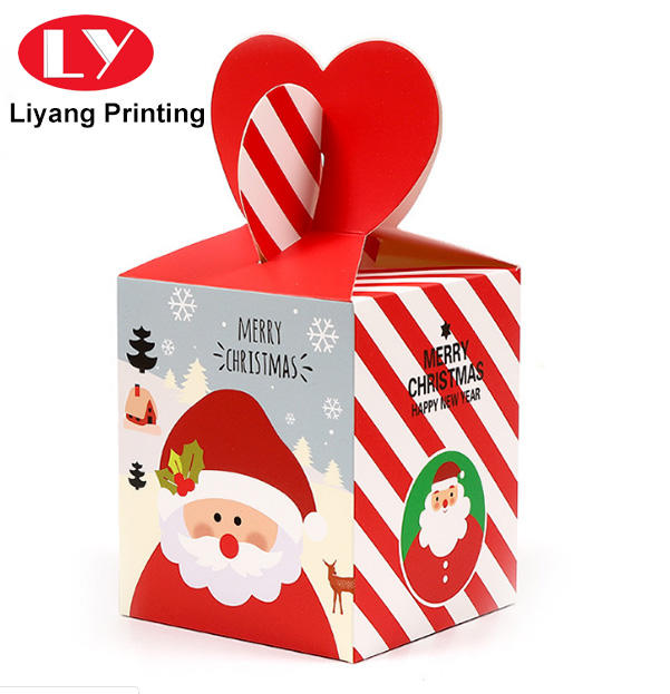 Christmas's day gift packaging boxes with heart handle