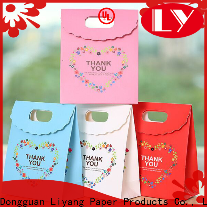 Liyang Paper Packaging paper gift bags at discount for cloth