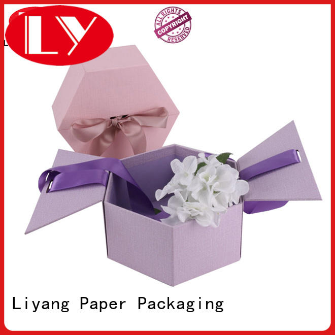 printed flower gift box white flower for delivery